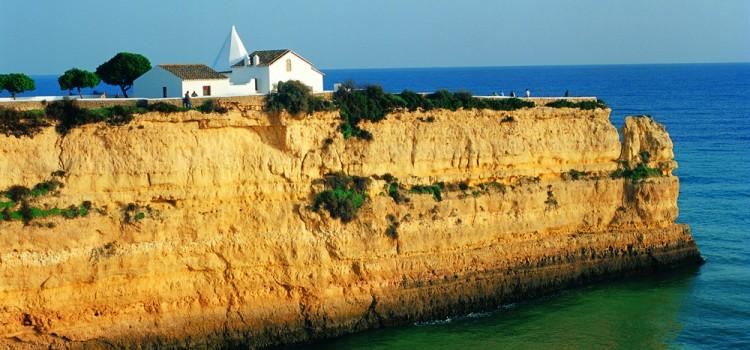 N. Sra. da Rocha Fortress, in Porches