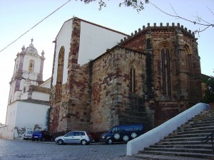800px-Silves_catedral
